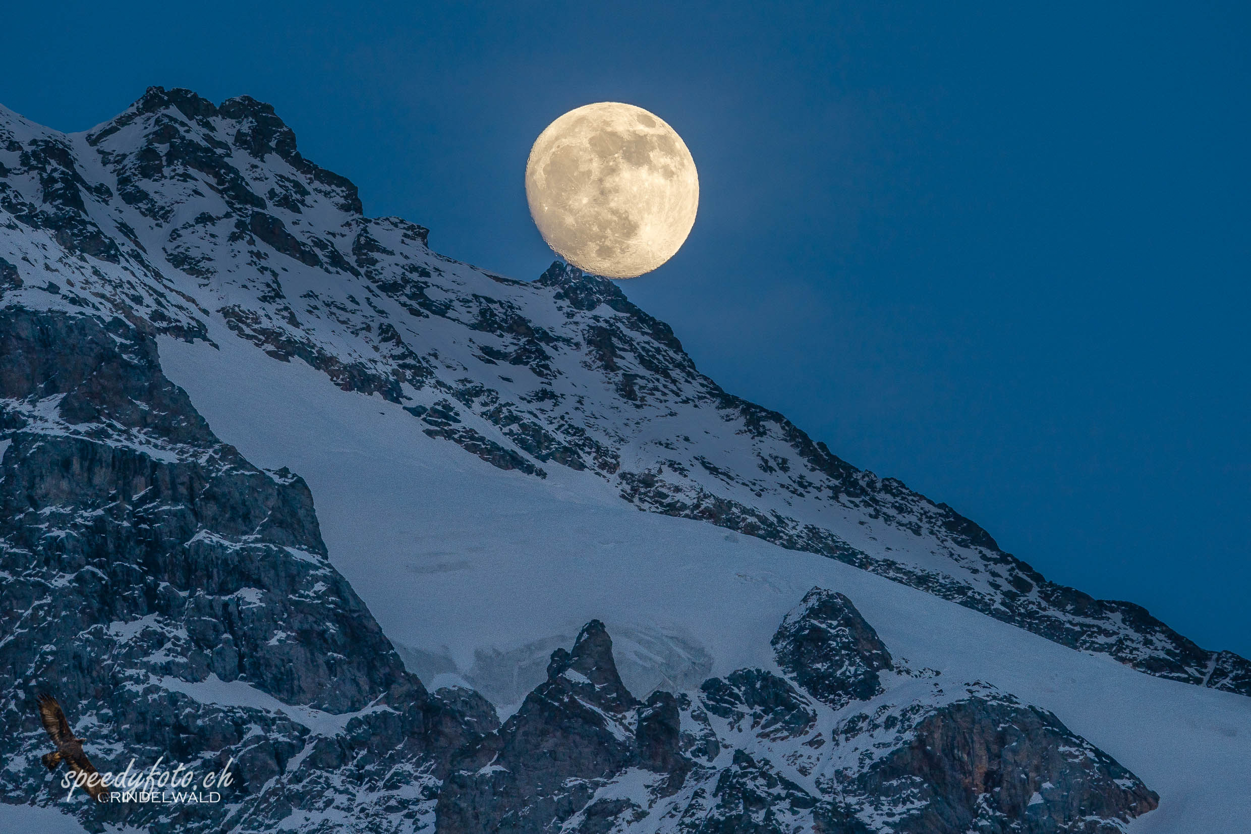 Moonride over the Glaciar